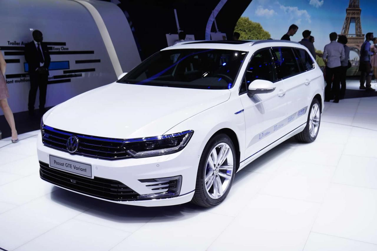 passat gte variant at paris motor show